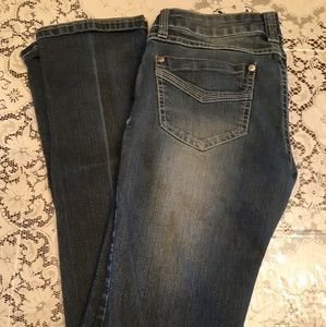 Bongo Stright Leg Lightly Distressed Jean's Size 7